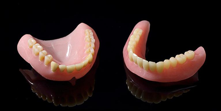 保険の義歯